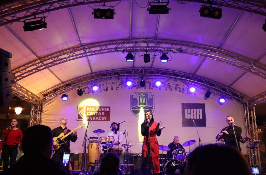 U centru grada u toku koncert Danice Krstić